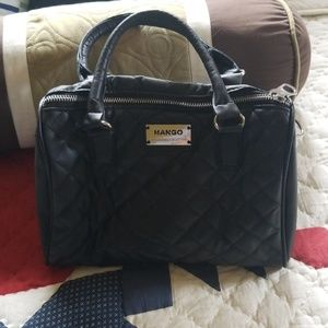 Very cute hand black faux leather small purse